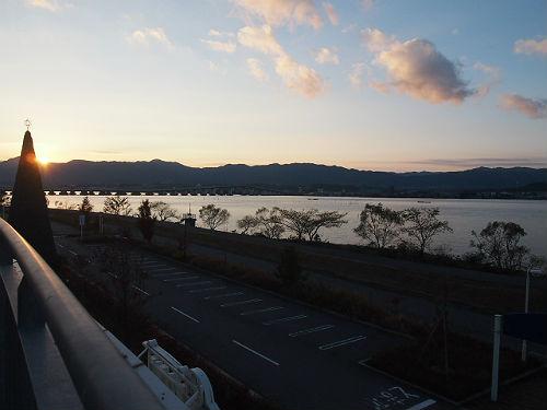 ピエリ守山のテラスから見た琵琶湖