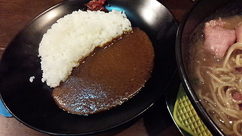 まりお流らーめん カレー(小)